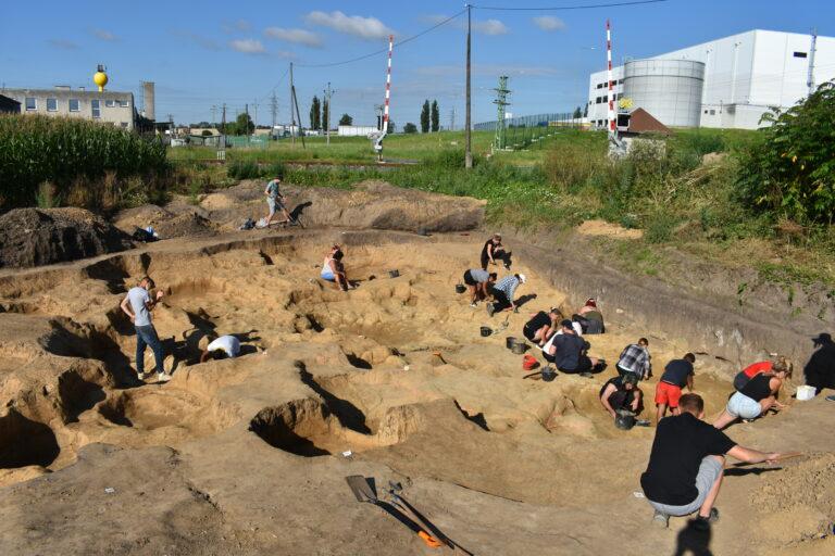 Velkou péči věnujeme dokumentaci azáchraně archeologického dědictví Českého Slezska aseverní Moravy